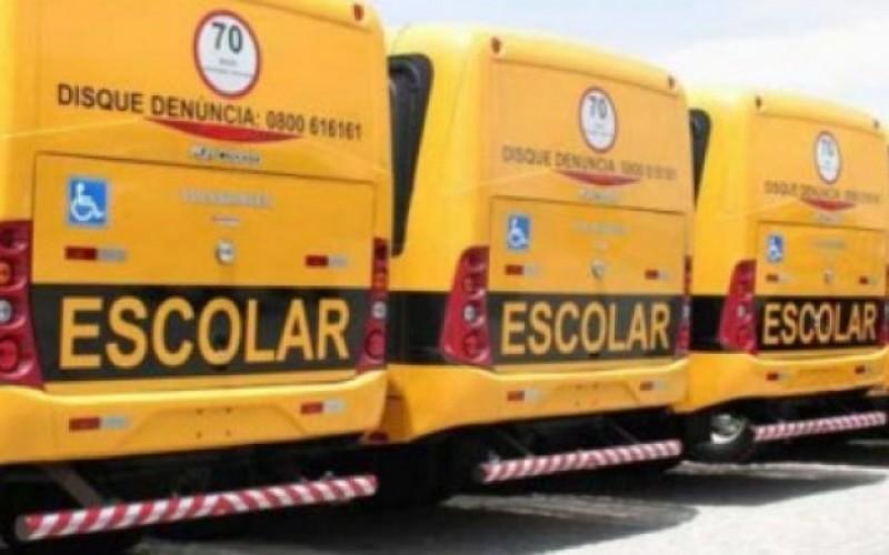 """Quinze motoristas da Prefeitura de Varginha receberam nesta sexta-feira, o Certificado de conclusão dos cursos de """"Capacitação de Transporte Escolar"""" e """"Capacitação de Transporte Coletivo de Passageiros""""."""