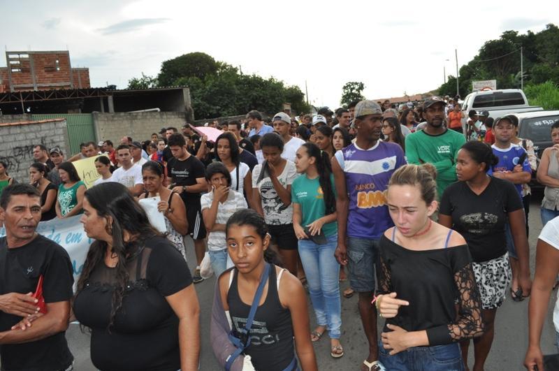 """O movimento denominado """"Somos Todos Vítimas da BR-265"""" começou em Itutinga por iniciativa do jovem Daniel Geder, que foi uma vítima sobrevivente de um acidente de trânsito"""