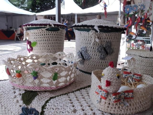 """A feira """"Artesanato na Praça"""", já tradicional em Varginha, começa nesta sexta-feira (18), e vai até a próxima semana no dia 23."""