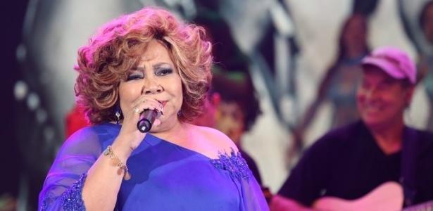 """Alcione cantou sucessos da carreira no """"Domingão do Faustão"""""""