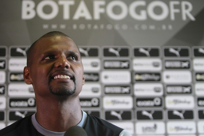 Jefferson em coletiva do Botafogo (Foto: Vitor Silva / SSpress / Botafogo)