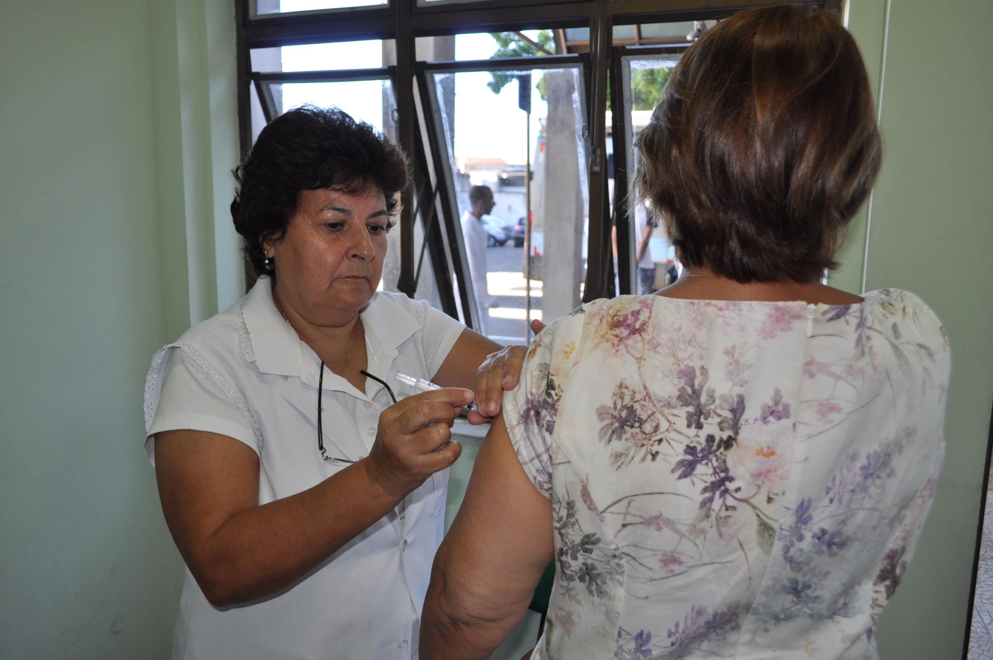 Neste primeiro momento o Público Alvo são integrantes do grupo prioritário formado por pessoas com 60 anos ou mais de idade