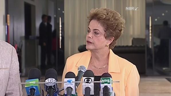 Dilma foi questionada por jornalistas sobre  negociações para tentar evitar o impeachment.