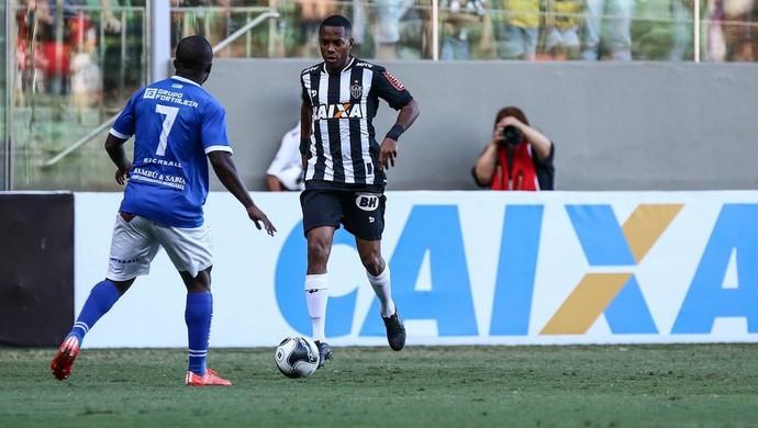 Robinho e companhia tiveram dificuldade para vazar a meta da URT (Foto: Bruno Cantini/ Flickr Atlético-MG)