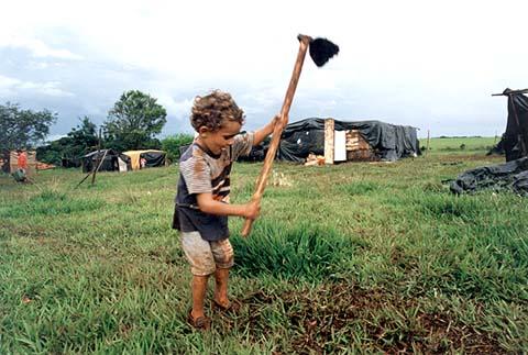 Mais de 3,3 milhões de crianças e adolescentes estão em situação de trabalho infantil no Brasil.