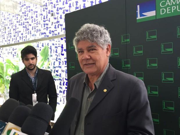 O deputado Chico Alencar (PSOL-RJ) durante entrevista coletiva no Salão Verde da Câmara (Foto: Nathalia Passarinho/G1)