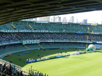 Couto Pereira recebe a partida entre Coritiba e Cruzeiro na estreia (Foto: Monique Silva)
