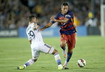 Adriano em ação pelo Barcelona (Foto: Getty Images)
