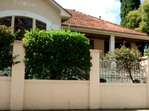 Juiz alega que compra da casa foi ato para lavar dinheiro recebido da Petrobras (Foto: Reprodução/EPTV)