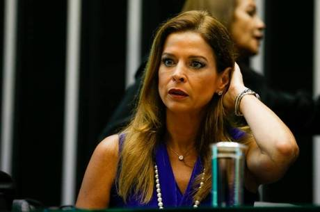 Claudia (foto) agora responde a processo por lavagem de dinheiro Pedro Ladeira/Folhapress - 5.11.2015