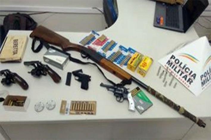 Armas roubadas seriam vendidas por R$ 5 mil. / Foto: Polícia Militar