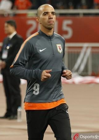 Diego Tardelli tem propostas do futebol brasileiro (Foto: Sina.com)