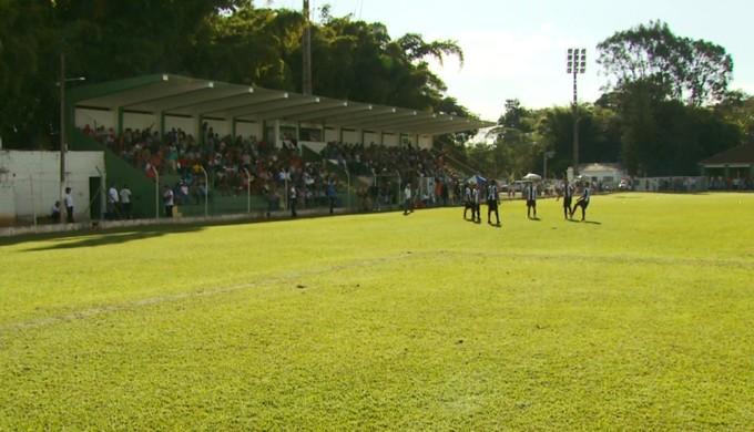 Jogos do Grupo G da Taça BH acontecem no Estádio Carlos Costa Monteiro, em Guaxupé (Foto: Reprodução EPTV)