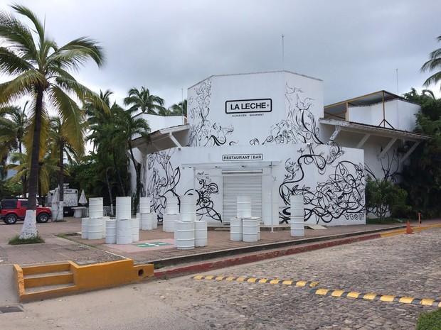 Sequestro de grupo de pessoas ocorreu no restaurante La Leche em Puerto Vallarta, no México (Foto: STR / AFP)
