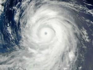 Imagem de satélite da NASA mostra o tufão Lionrock no Pacífico (Foto: HO / NASA / via AFP Photo)
