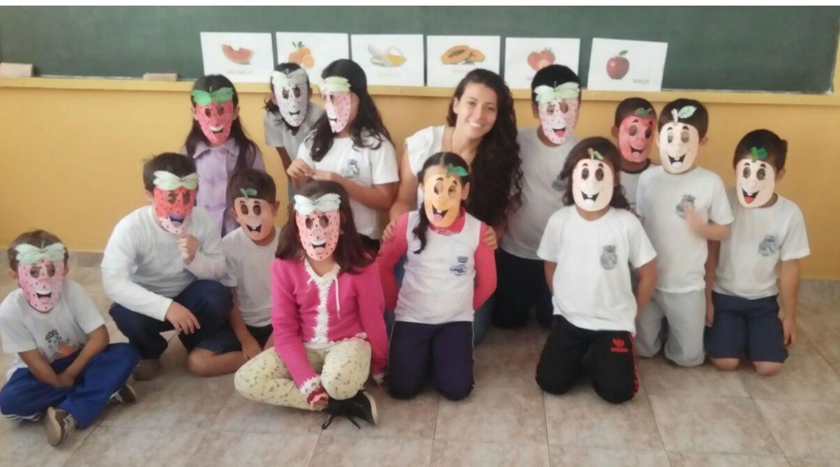 A Coordenadora do Curso, Profa. Érika Aparecida de Azevedo Pereira, comenta que o objetivo da atividade foi estimular o consumo de frutas pelas crianças