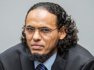 Malinês Ahmad al-Faqi al-Mahdi reconheceu no Tribunal Penal Internacional (TPI), em Haia, na Holanda, que foi responsável pela destruição de mausoléus em Timbuctu. Essa é a primeira vez que um acusado reconhece sua culpa diante da corte (Foto: Patrick Post/ Reuters)