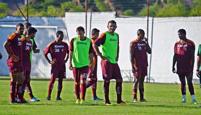 Boa Esporte treina no CT da Rua Paraná antes de viajar para Caxias do Sul (Foto: Régis Melo)