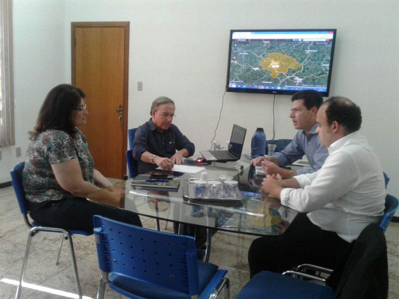 . Estiveram reunidos no na Prefeitura de Varginha,  o Diretor Presidente da MYR projetos sustentáveis, o arquiteto e urbanista Sérgio Myssior, e o Secretário Municipal de Planejamento Pedro Gazzola e sua equipe.