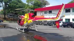 O serviço, que é uma parceria entre o Corpo de Bombeiros e o Consórcio Intermunicipal de Saúde da Região de Minas (CISSUL/SAMU), conta com uma aeronave modelo Esquilo AS 350 B2, que tem capacidade para transportar, em cada atendimento, seis profissionais