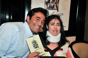 Luciano Szafir com a irmã Alexandra no lançamento do livro da advogada (Foto: Reprodução/ Facebook)