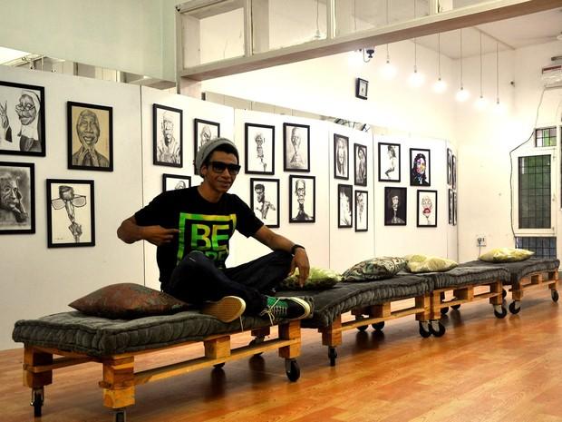 Exposição na Índia foi a segunda da carreira do artista de Pouso Alegre (Foto: Prado Neto/Divulgação)