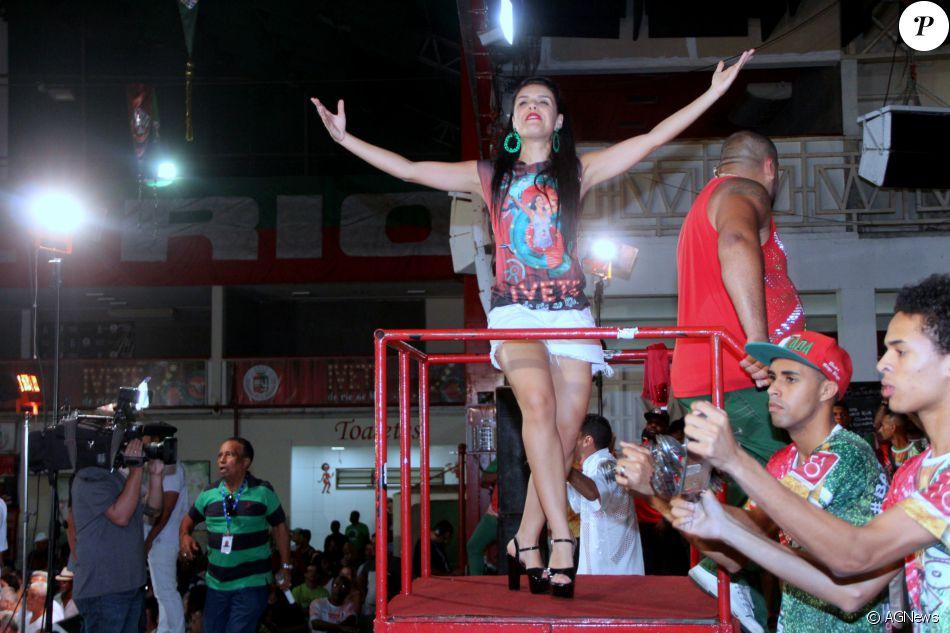 Carnaval: Paloma Bernardi caiu no samba na noite desta terça-feira, 8 de novembro de 2016, na quadra da Grande Rio, em Duque de Caxias, na Baixada Fluminense, no Rio © AGNews