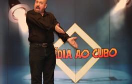 """Espetáculo """"CONFISSÕES de um ADOLESCENTE de 40 ANOS""""  é encenado em Varginha"""