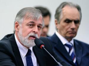 Paulo Roberto Costa vai retirar a tornozeleira eletrônica (Foto: Lúcio Bernardo Jr/Câmara dos Deputados)