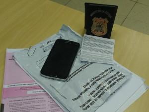Prova de suspeito e texto com tema da redação foram apreendidos (Foto: Divulgação/Polícia Federal)