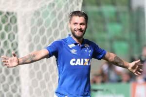 Em 28 partidas com a camisa do Cruzeiro, Rafael Sobis marcou quatro gols e deu três assistências