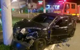 Duas pessoas ficam feridas em acidente na Avenida Princesa do Sul