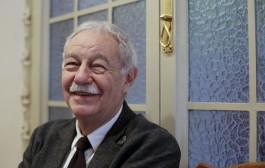 Eduardo Mendoza, escritor catalão, ganha o Prêmio Cervantes 2016