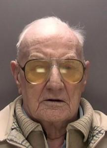 Ralph Clarke, motorista de caminhões aposentado, foi julgado por ter estuprado três menores, entre eles uma menina de sete anos, entre 1974 e 1984