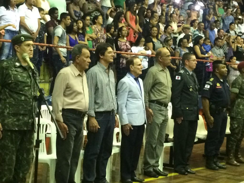Familiares e amigos se reuniram junto às autoridades civis e militares, para comemorarem em solenidade, o encerramento do Ano de Instrução