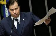 Maia assume papel de avalista das reformas e do governo