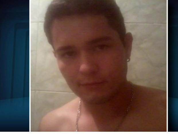Dieyckson de Melo Pereira, de 24 anos, morreu nesta segunda-feira (2) em Perdões, MG; ele foi baleado em uma festa de réveillon (Foto: Reprodução/EPTV)
