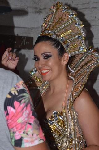 Paola Serpa. de 33 anos, foi morta a tiros (Foto: Reprodução/Facebook)