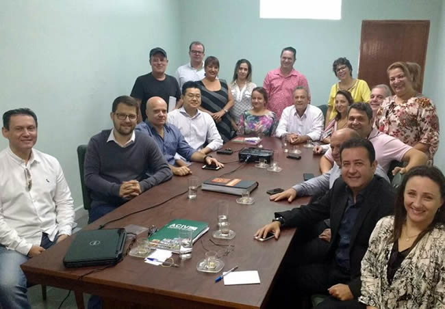 Aconteceu na manhã desta terça-feira (21), na Associação Comercial de Varginha, reunião de apresentação do 2º Café com Tudo.