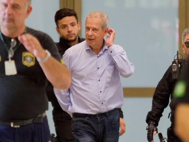 José Dirceu foi preso em agosto de 2015 (Foto: Paulo Lisboa/Brazil Photo Press/Estadão Conteúdo)