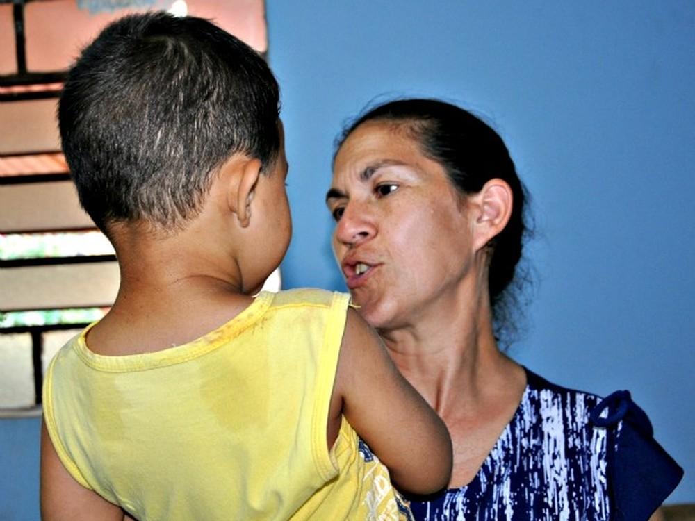 Sônia mora em Campo Grande com o neto Bruninho, filho de Eliza e do goleiro Bruno (Foto: Tatiane Queiroz/ G1MS)