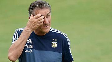 Edgardo Bauza teve a demissão anunciada nesta segunda-feira pela AFA