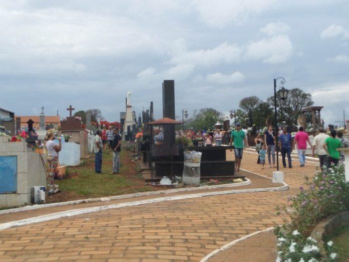 Prefeitura começa a cobrar taxa de exumação no Cemitério Municipal e gera reclamação