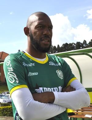 Neguete acerta contrato até fim do Mineiro de 2018 (Foto: Lúcia Ribeiro)