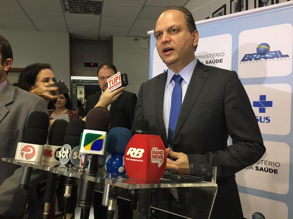 O ministro Ricardo Barros em entrevista coletiva no ministério (Foto: Gabriel Luiz / G1)