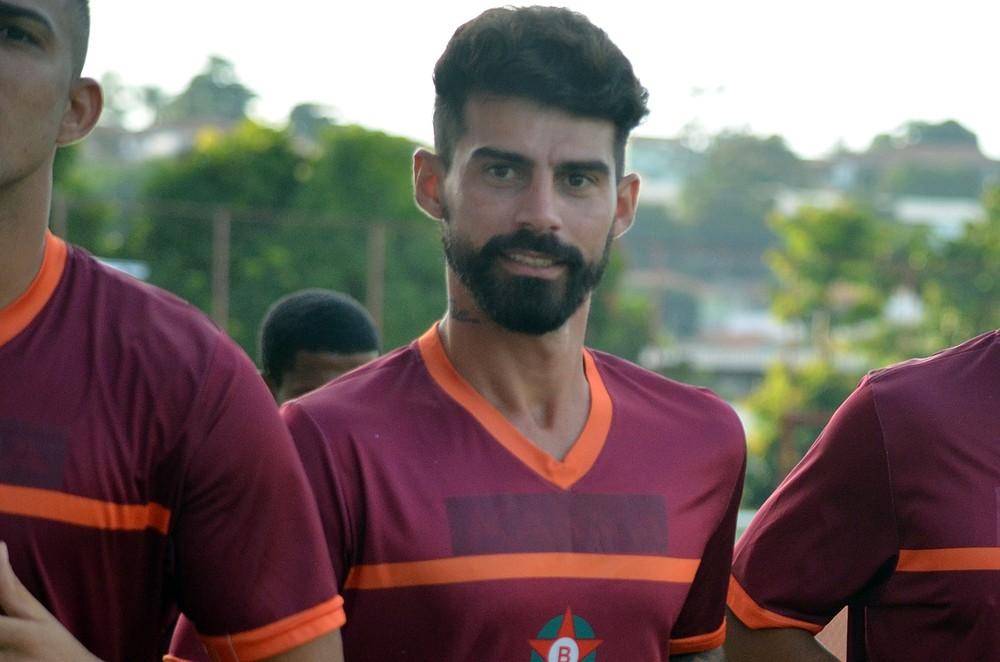Radamés não escondeu satisfação por gol marcado (Foto: Régis Melo)