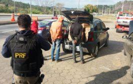 Polícia recupera material de carga e apreende trio