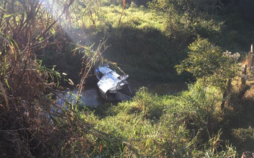 Após capotar veículo furtado na MG-455 em Andradas, homem não resistiu aos ferimentos e morreu