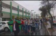 Moradores protestam contra decisão que invalidou eleição de entidade em Pouso Alegre
