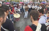 Alunos da Univás fazem paralisação em Pouso Alegre após eleição da Fuvs ser invalidada pelo TJMG